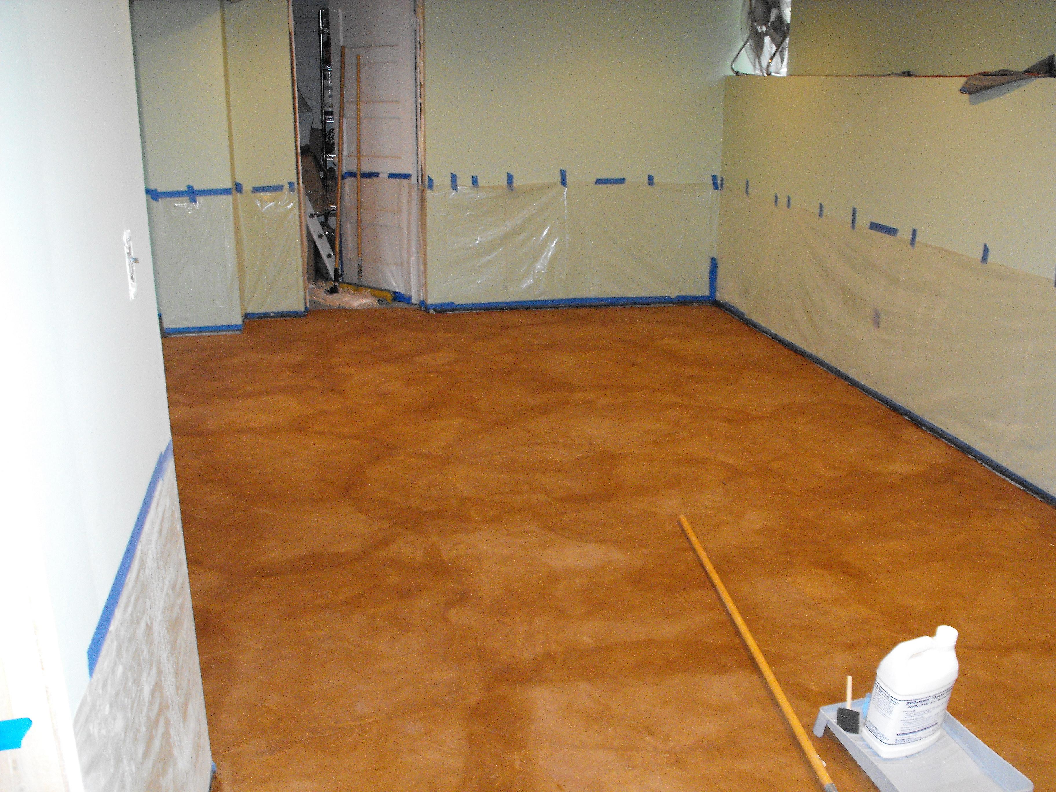 repairing broken concrete stain on concrete basement floor fort