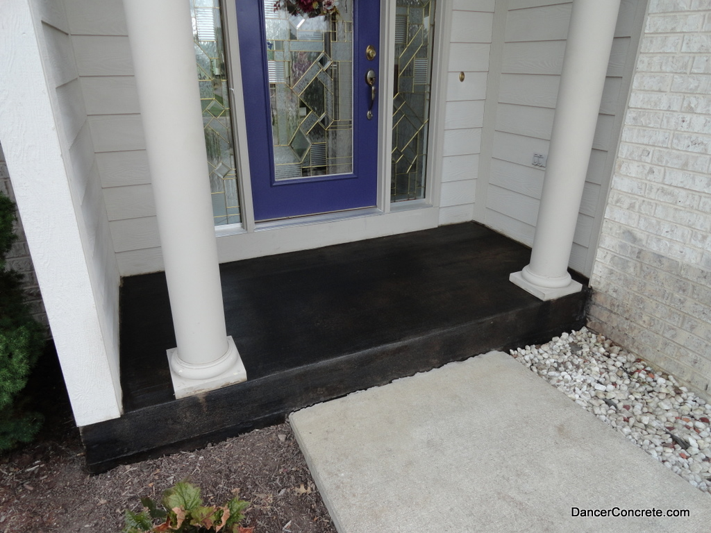 Stained outdoor concrete porch fort wayne 2 cozy for Best way to clean concrete porch