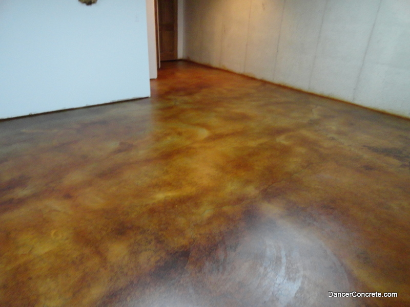Dyed Concrete Flooring : Cozy with concrete loving to live